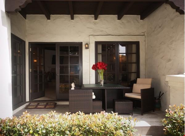 Fabulous Coastal Upgraded Home Home Rental in Encinitas 9 - thumbnail