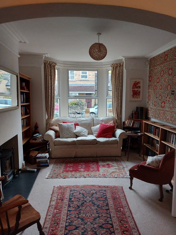 listing image for Book-filled home from home in peaceful location but close to central Oxford